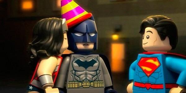 Uma Aventura Lego  Assista Ao Trailer Do Derivado Sobre A Liga Da