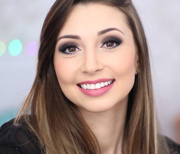 Maquiagem Para Fotos De Convite De Formatura — Sempre Glamour