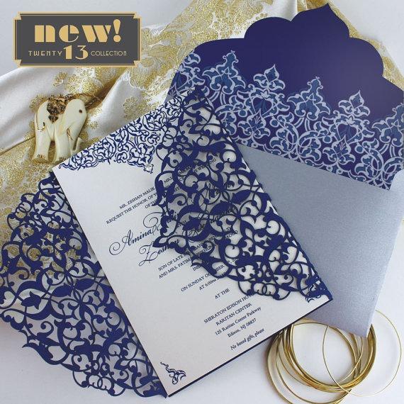 Convite De Casamento Rendado Em Azul Marinho, Branco E Dourado