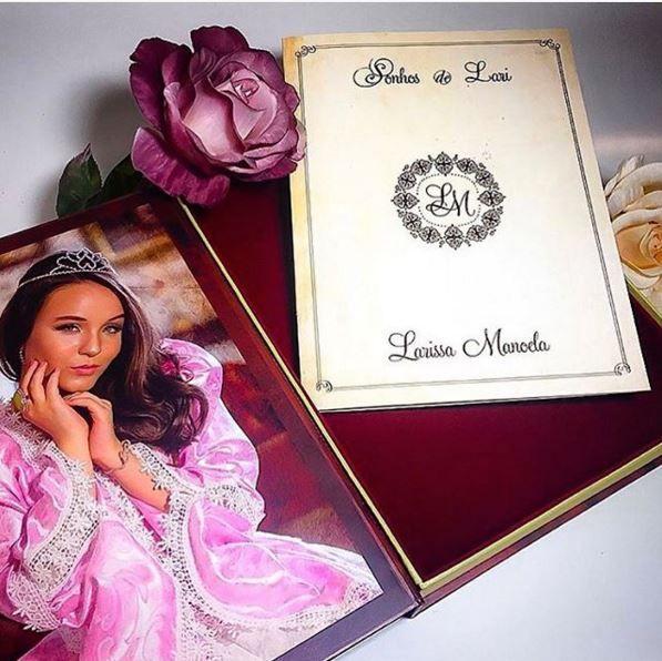 Larissa Manoela, Vestidos