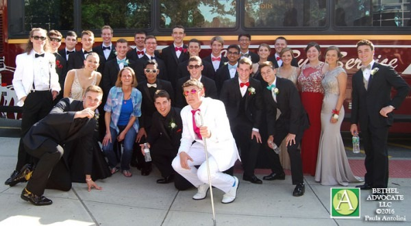 Photos  Bethel High School Students On Their Way To The Senior